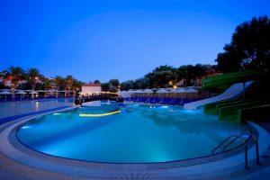 pool-with-waterslide
